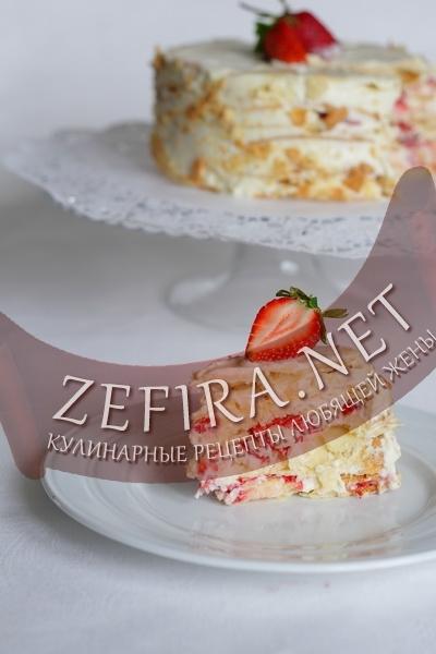Слоеный торт с ягодами (фото)