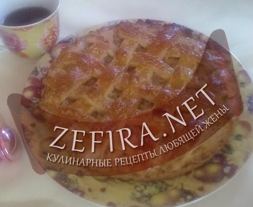Яблочный пирог с орехами (фото)