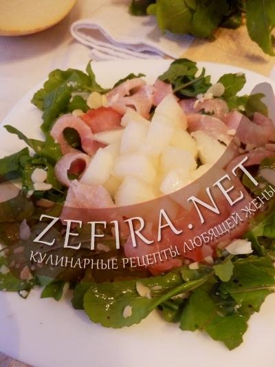 Салат с дыней (фото)