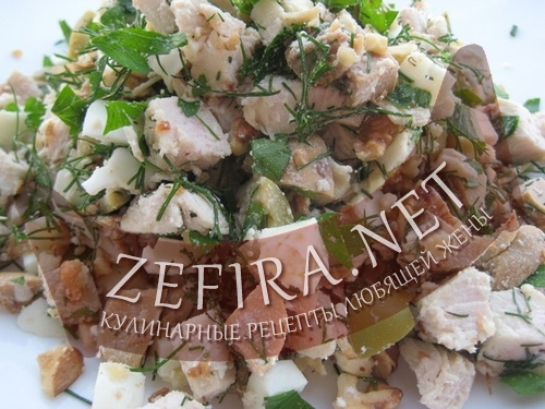 Салат с курицей и орехами «Гектор»