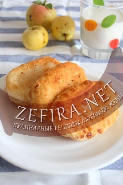 Жареные пирожки с яблоками на кефирном тесте