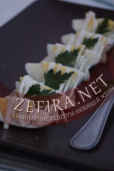 Салат с яйцом и луком (фото)