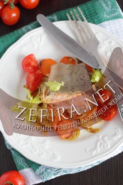 Форель запеченая с овощами (фото)