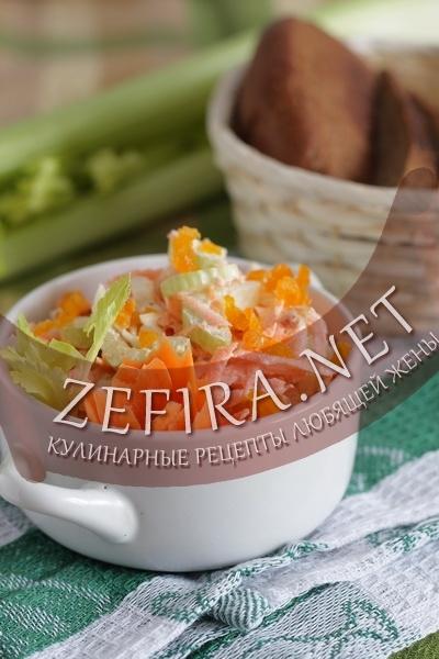 Салат из сельдерея и моркови (фото)