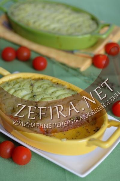 Мясо с овощами под картофельной корочкой