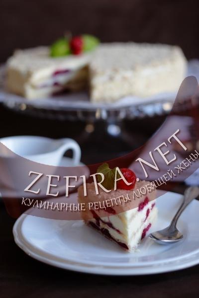 Слоеный торт с вишней