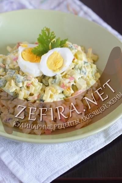 http://zefira.net/salat-s-krabovymi-palochkami-i-syrom/