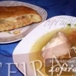 Бульон с капустным пирогом на закуску