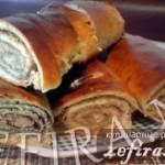 Дрожжевой рулет с ореховой начинкой
