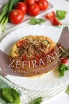 Домашние лепешки с помидорами, мясом, сыром и шпинатом