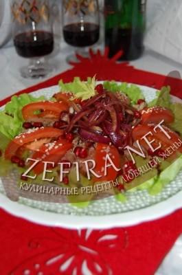 Салат с куриными печенками
