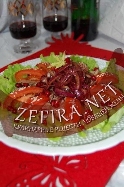 Салат с куриной печенью - рецепт и фото