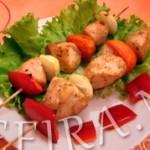 Шашлычок из куриной грудки (приготовление дома)