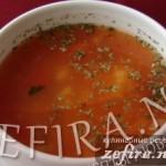 Вкусный томатный суп с фасолью