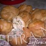 Рецепт оригинальной закуски — Заварные булочки с курицей в соусе