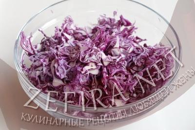 salat-iz-sinej-kapusty-step1