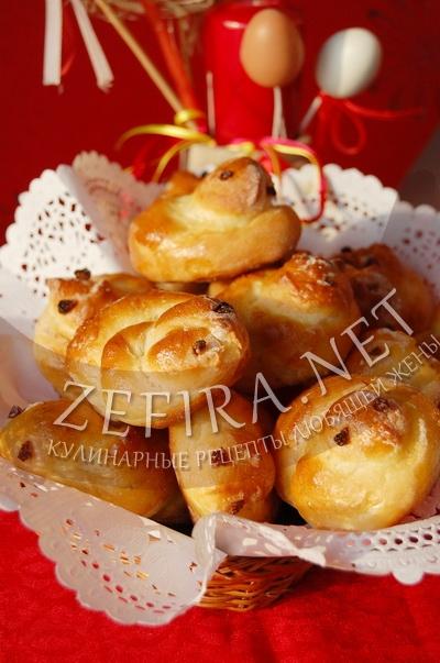 Пасхальная выпечка - сладкие булочки