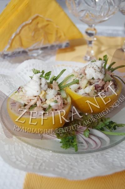 Салат из консервированного тунца с яйцом