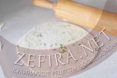 lepeshki-s-zelenym-lukom-step7