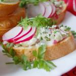 Масло с редиской — вариант бутерброда к завтраку