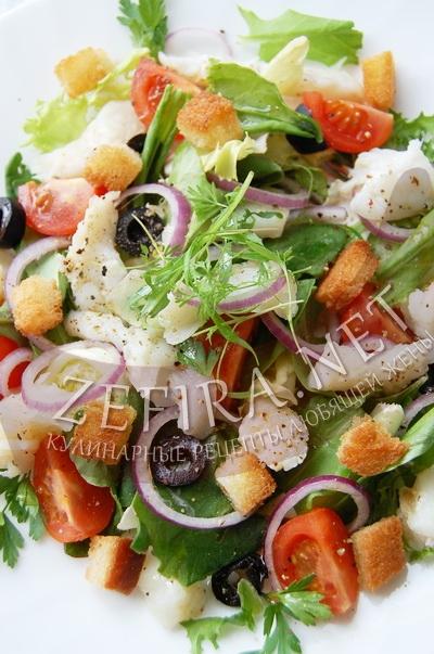 Салат из щавеля с рыбой и сухариками - рецепт и фото