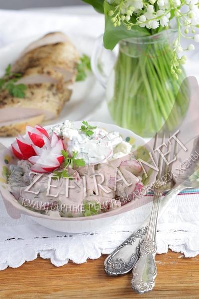 Салат с редиской, зеленью и сыром