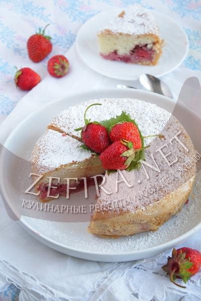 Бисквит с клубникой - рецепт и фото