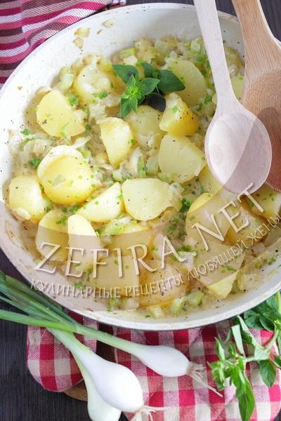 Картошка в сливочном соусе с кабачками - рецепт и фото