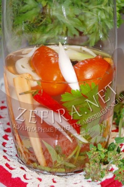 Маринованные помидоры с луком и морковью – заготовка на зиму