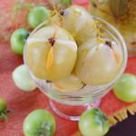 Маринованные зеленые помидоры с чесноком – рецепт на зиму