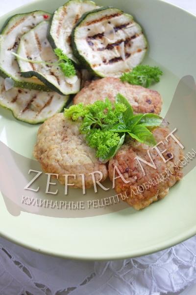 Мясные котлеты с добавлением кабачка - рецепт с фото