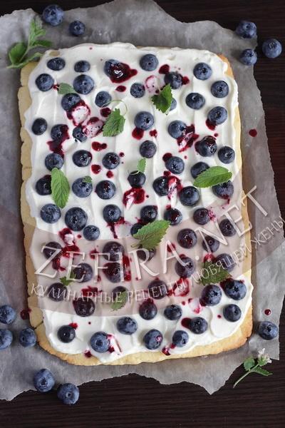 Песочный торт с ягодами