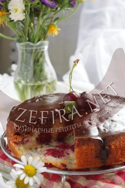 Пирог с вишней и шоколадом - рецепт и фото
