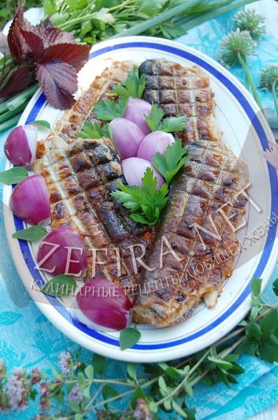 Сельдь с овощами приготовленная на гриле - рецепт и фото
