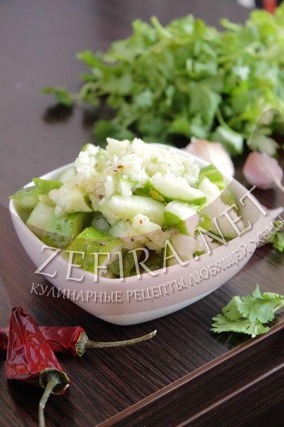 Салат из битых огурцов - рецепт и фото