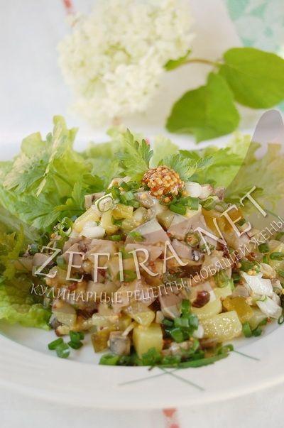 Салат с лесными грибами - рецепт и фото