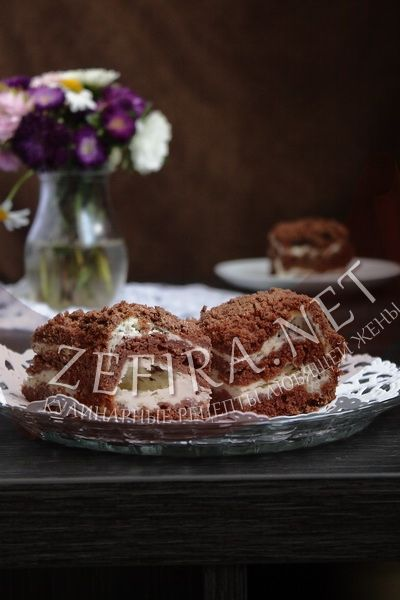 Насыпной шоколадный пирог с творожной начинкой