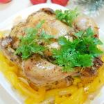 Рецепт курицы в духовке целиком с луком и сладким перцем
