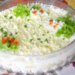 Рыбный салат из минтая с яйцами