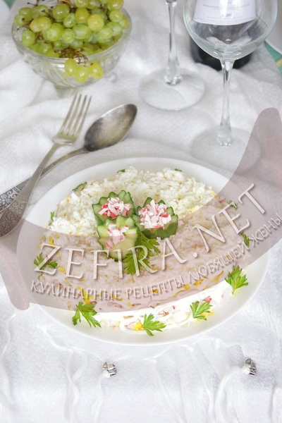 """Слоеный салат с крабовыми палочками """"Нежный"""" - рецепт и фото"""