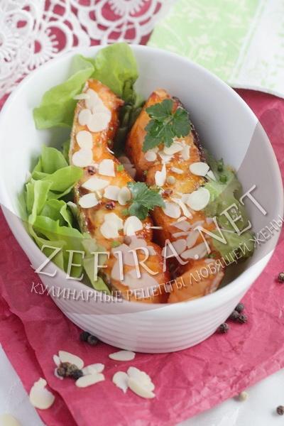 Стейки семги, запеченные в духовке в остром соусе с миндалем - рецепт и фото