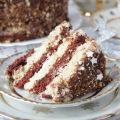 Торт шоколадно-ванильный с клюквой