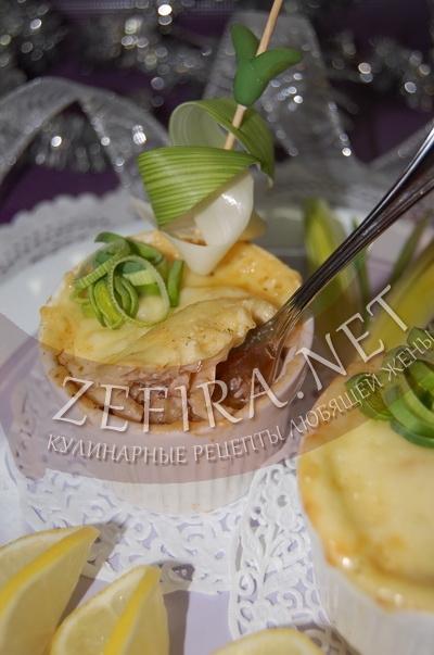 Жюльен из кальмаров с сыром - рецепт и фото