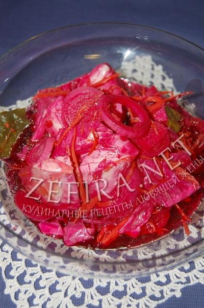 Маринованная капуста со свеклой - рецепт и фото