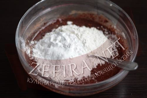 Шоколадный бисквит в микроволновке - этап2