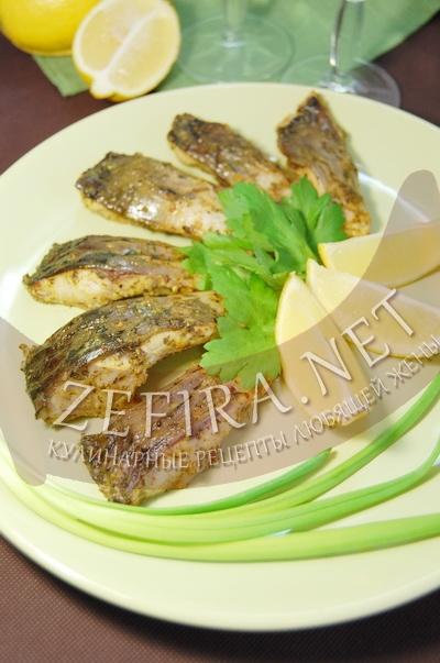 Филе карпа, запеченное с травами в духовке - рецепт и фото