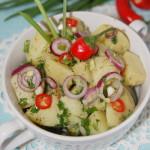 Картофельный салат с луком и зеленью