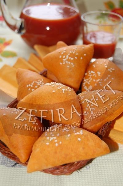 Пирожки на томатном соке - рецепт и фото