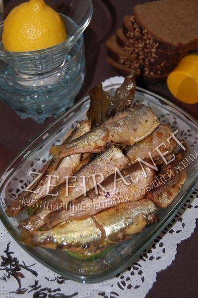 Домашние шпроты из салаки - рецепт и фото