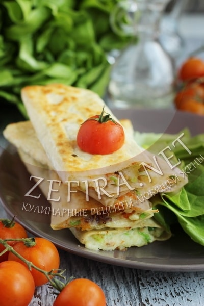 Ленивые пирожки из лаваша с картошкой и грибами - рецепт и фото